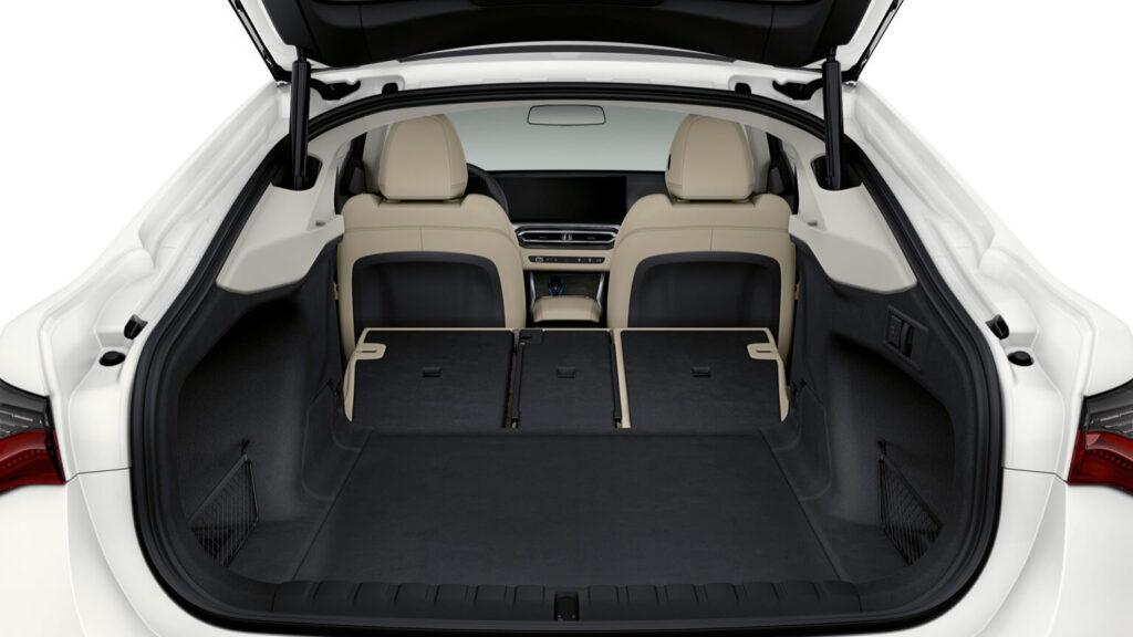BMW i4 470 litre Bagaj Hacmi