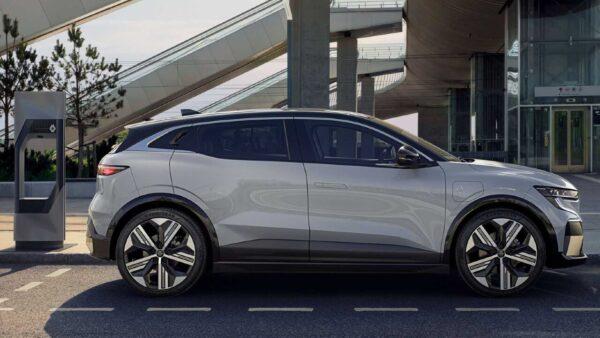 2022 Renault Megane E-Tech Yandan Görünüm